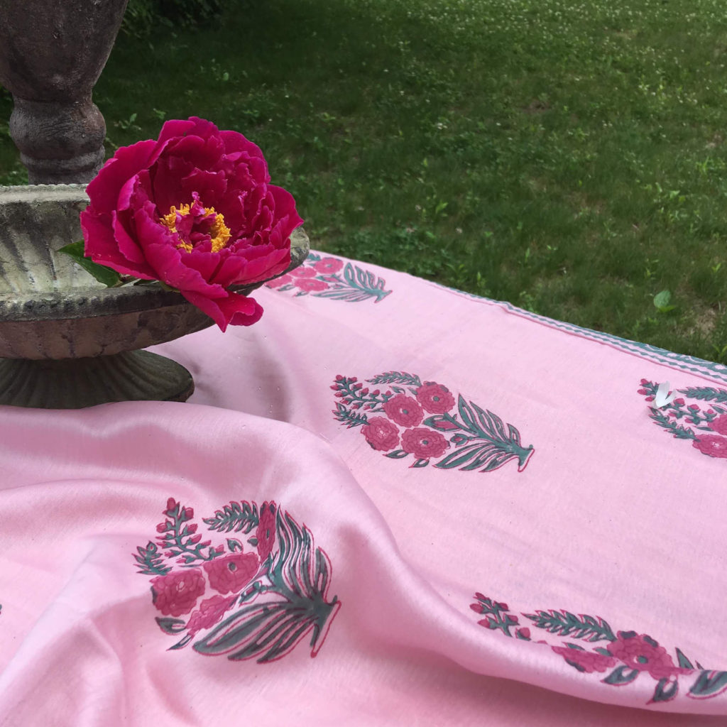 Roza silk-cotton tablecloth
